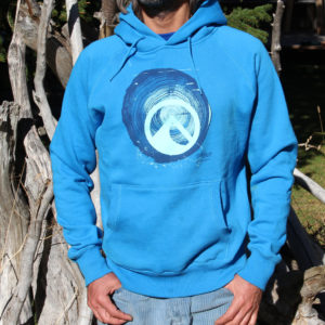 WOOD electric blue